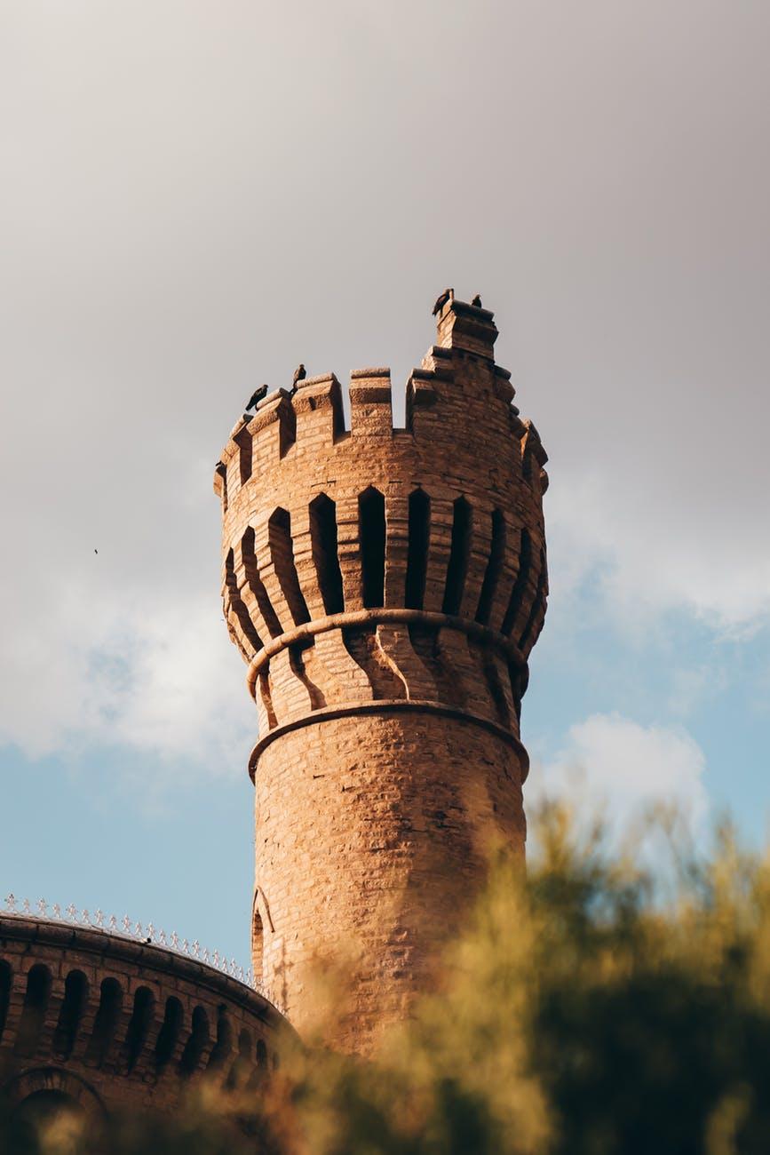 battlement tower of bangalore palace